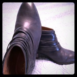 Clarks brand  booties leather, worn once, black.
